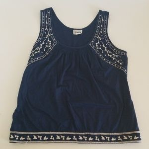 Converse sleeveless Top with leaf embroidery